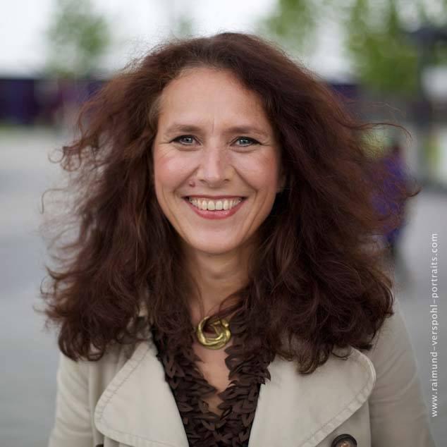 Claudia Linz